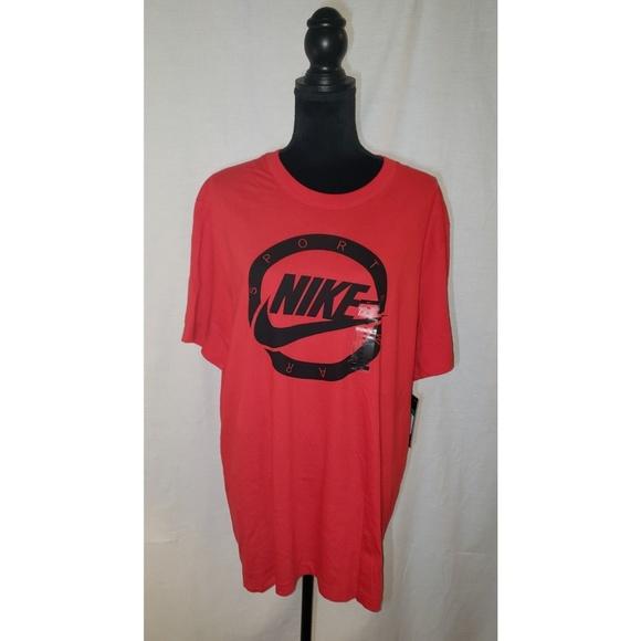 Nike Tops - Nike Tshirt